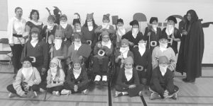 HPE's grade 6ers don reporter's hats