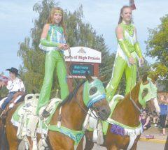 Spectacular parade kicks off rodeo
