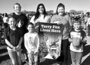 PICs – Students support Terry Fox en masse