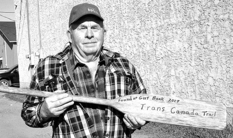 Salt Prairie man scores rare paddle find