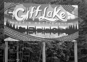 """PIC – """"Welcome to Gift Lake!"""""""