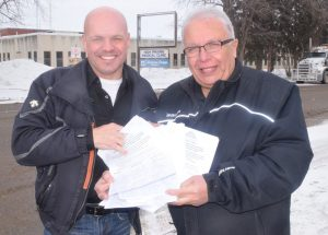Chamber presents petition to MLA